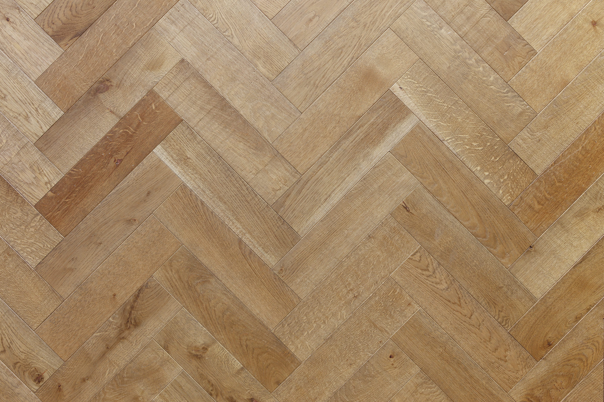 Antique Grey Distressed Oak Herringbone Element7